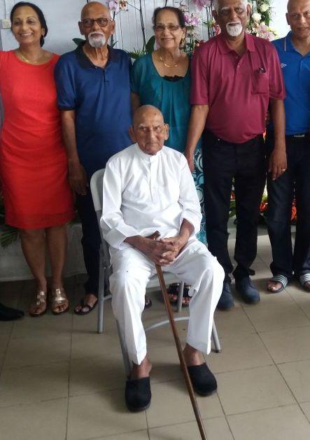 100ste Verjaardag Van De Heer Rammanorath Kartaram Ohm Suriname